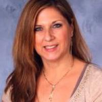 Sally Smollar Headshot