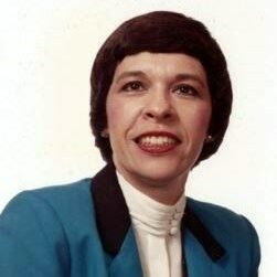 Lorraine Dey Summers Headshot